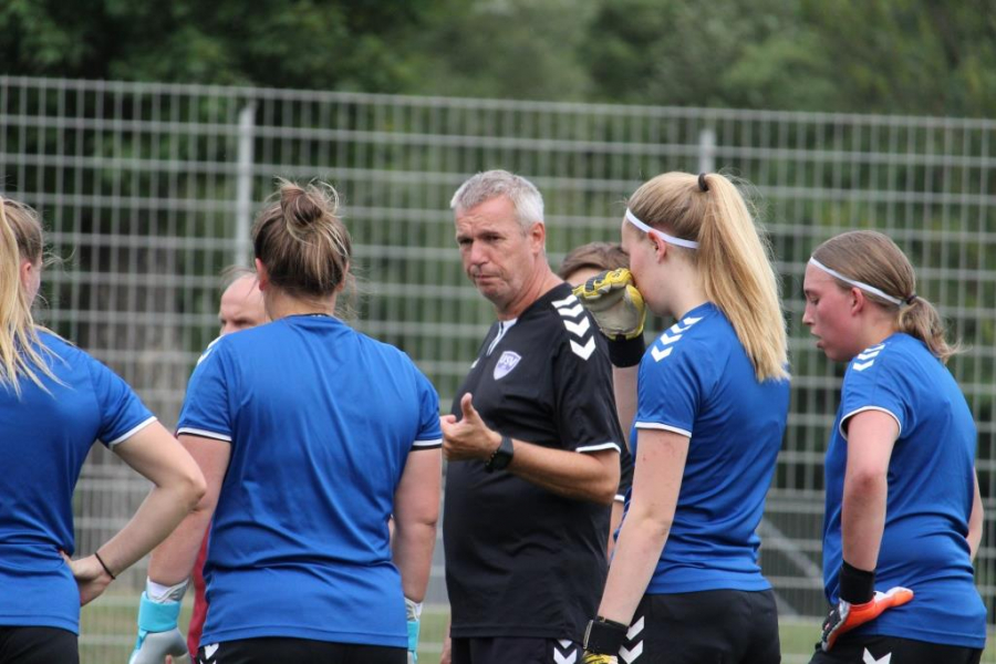 Der Trainer des FF USV JENA Steffen Beck verlässt Jena am Saisonende